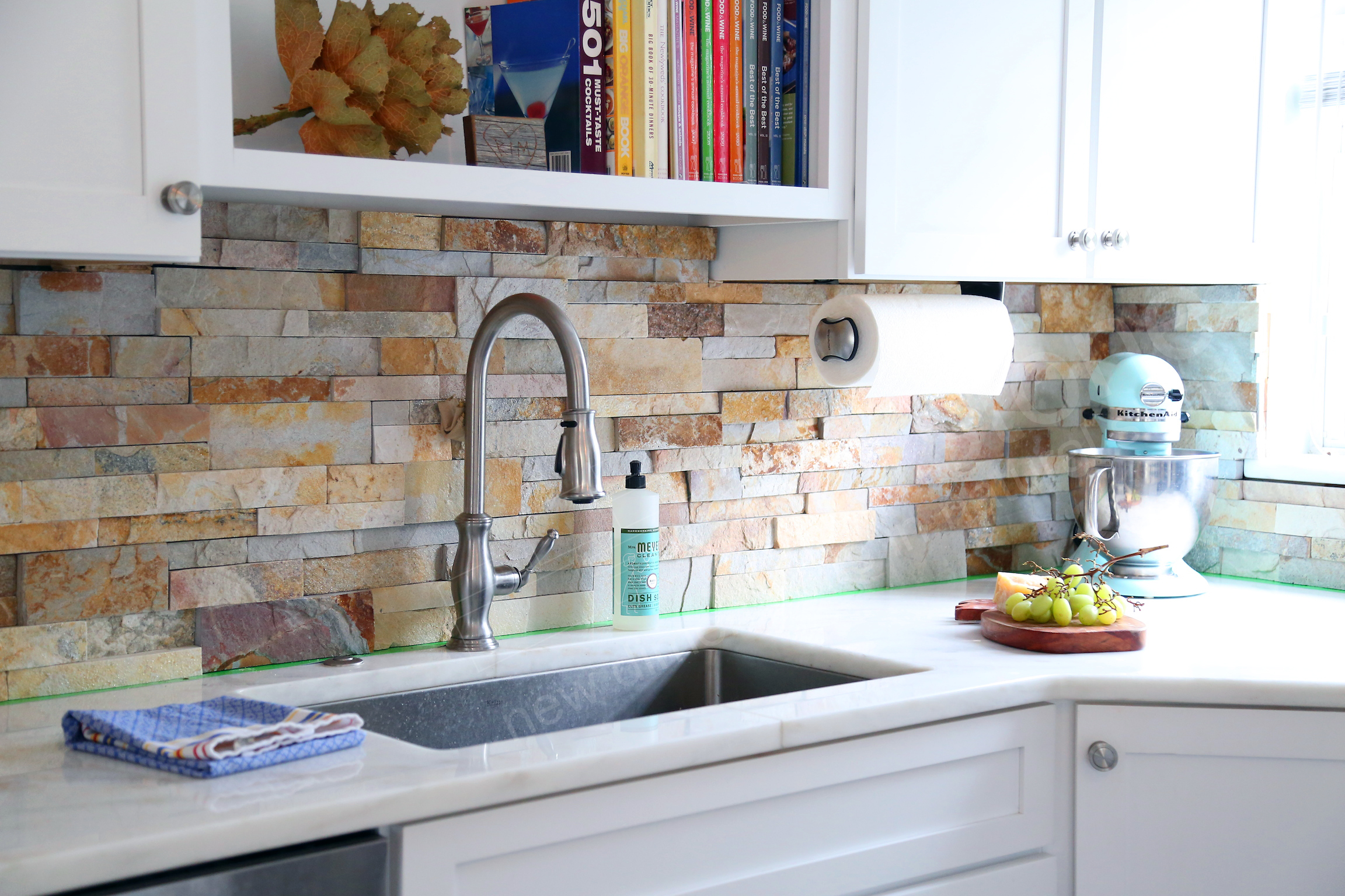Aztec Stacked Stone Backsplash - Orlando, FL