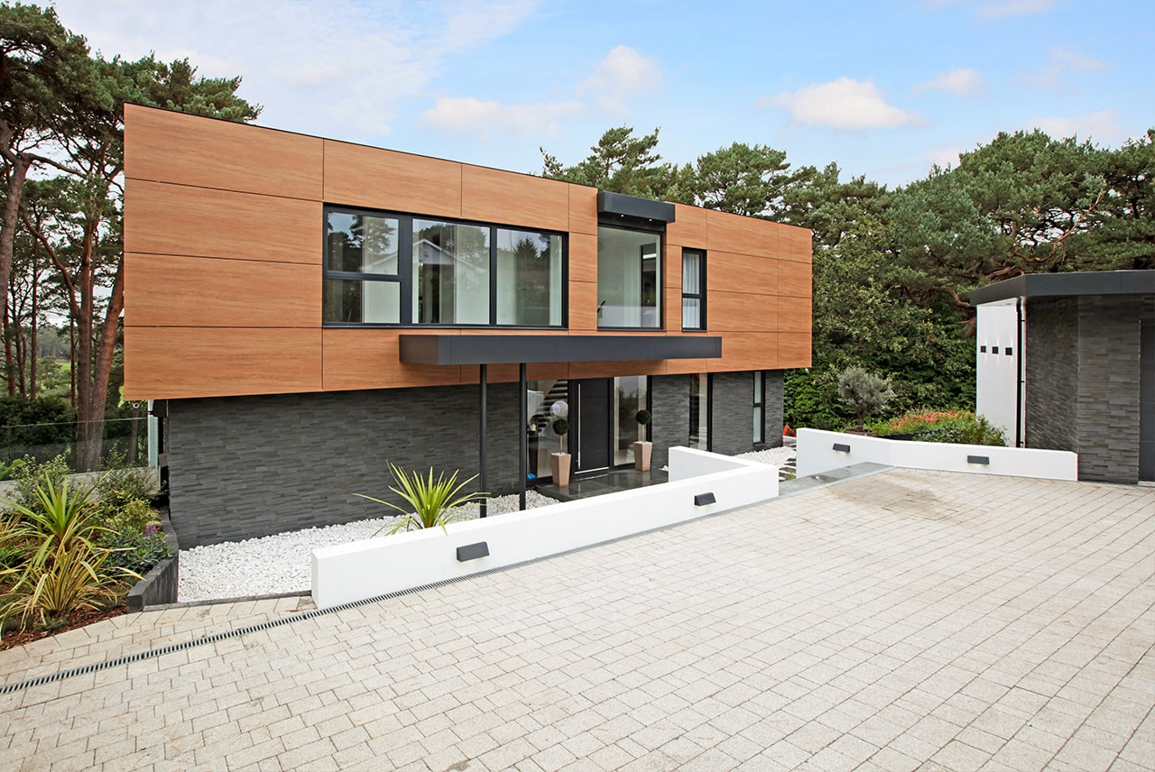 Norstone Aksent 3D Grey Stone used on exterior of modern home in Southern England