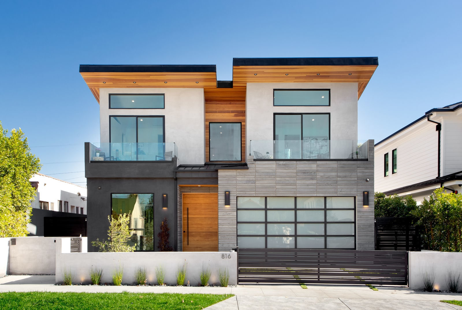 Platinum Planc Tile Hollywood Modern Home Facade