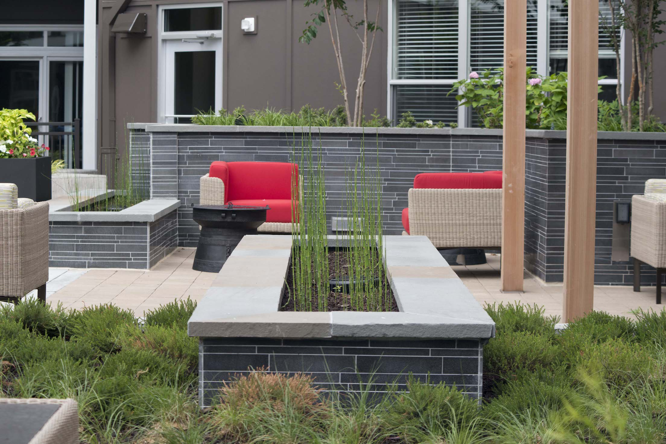 Grey Basalt Interlocking Tile - Landbay J - Washington DC - Planter