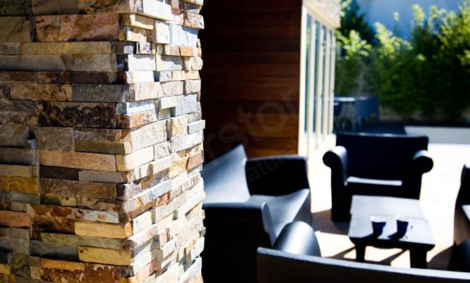 Natural Stone Veneer Used On Columns