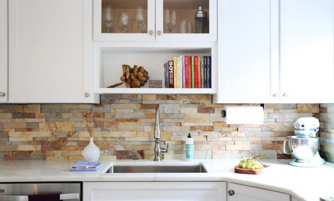 Brown Ledgetstone Backsplash