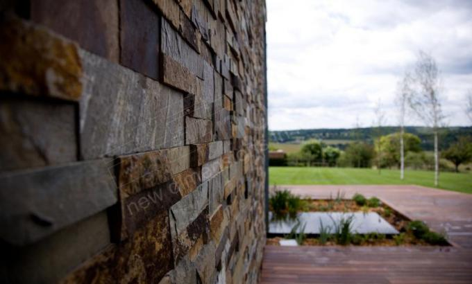 Natural Stacked Stone Veneer Wall