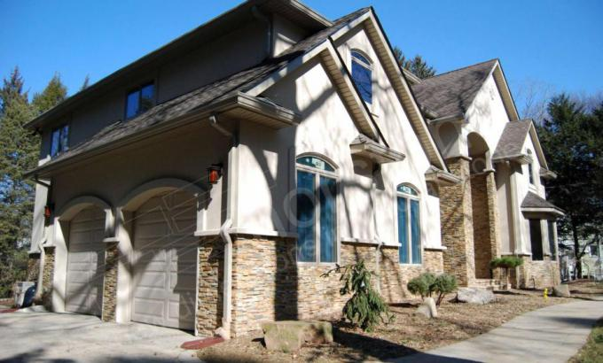 Natural Stacked Stone Veneer on a Home