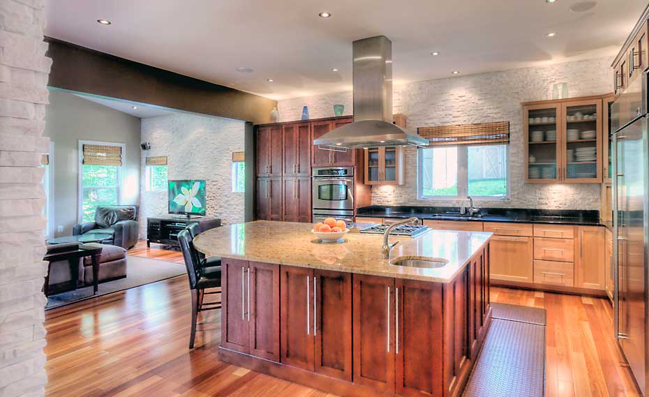 White Natural Stacked Stone Veneer Backplash In Kitchen Alexandria Virginia