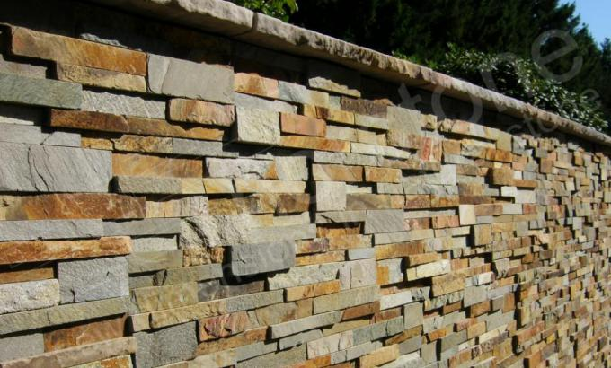 Real Stone Veneer for Retaining Walls