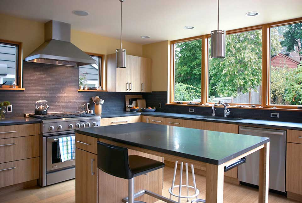 Black Stone Backplash in Kitchen