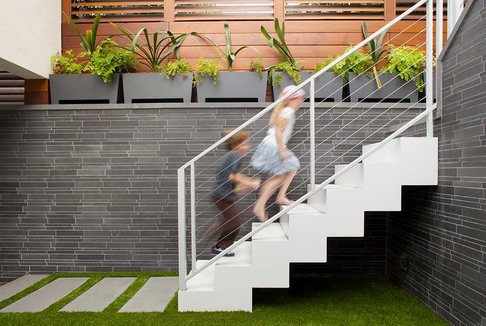 Smooth Grey Stone Feature Wall Courtyard in San Francisco