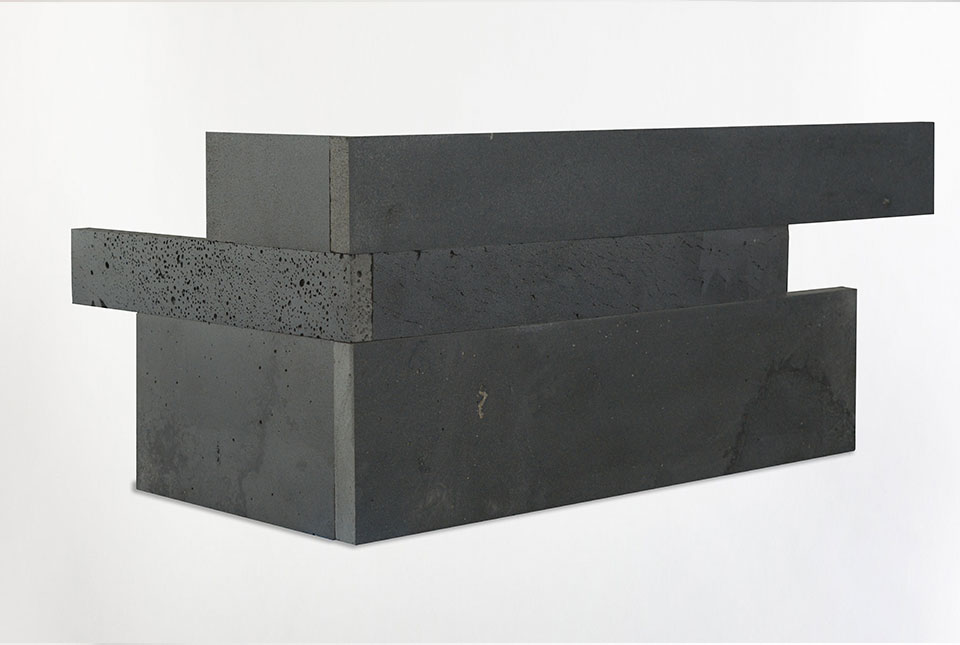 Graphite Lava Stone Plank Finger Jointed Corner Example