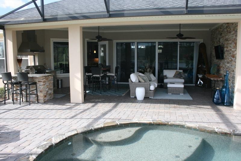 Aztec Stone Veneer for Outdoor Kitchen in Florida
