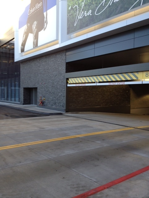 Norstone Charcoal XL Large Stone Veneer used at Parking Garage entrance at Mall of America in Minnesota
