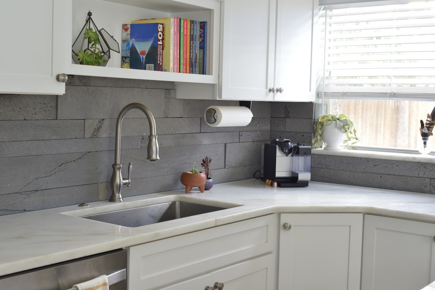 Norstone Platinum Planc Large Format Tile Product Launched in 2018 used on a modern kitchen backsplash
